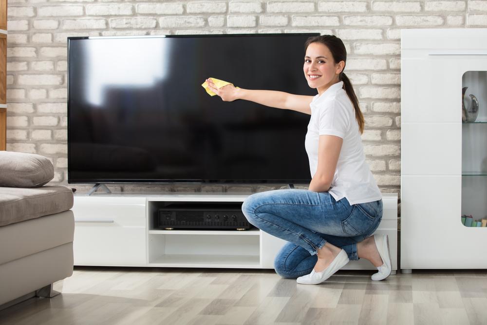 cum sa cureti televizorul sau monitorul de pc